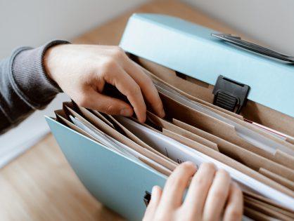 ¿Cómo y por qué gestionar expedientes jurídicos online?